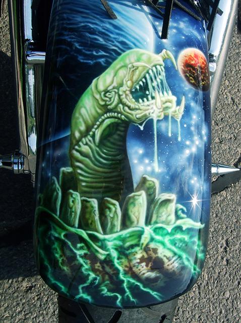 uncle-d-s-airbrushing-motorcycles-alien-vs-predator-4