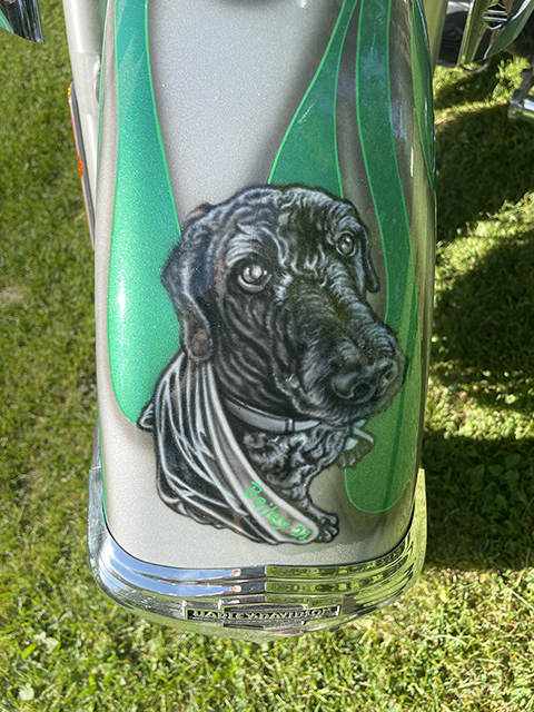 uncle-d-s-airbrushing-motorcycles-animals-bailey-2