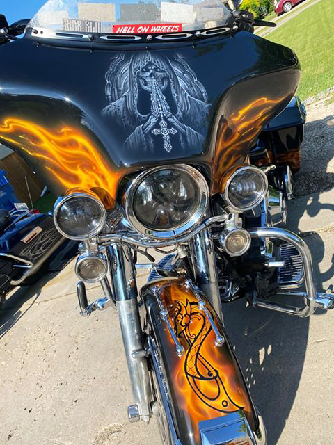 uncle-d-s-airbrushing-motorcycles-flames-5