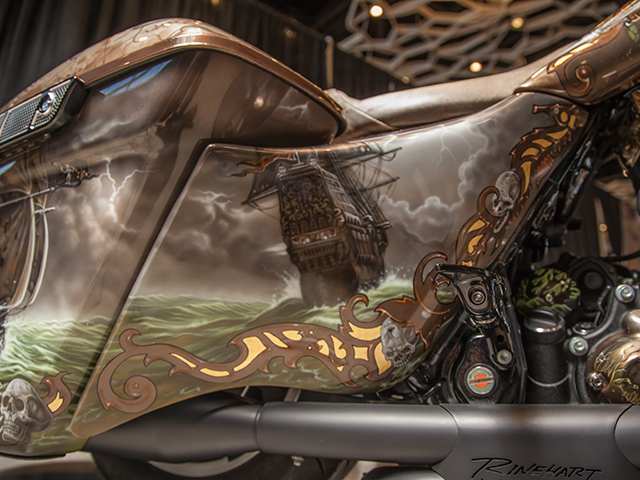 uncle-d-s-airbrushing-motorcycles-queen-anne-12