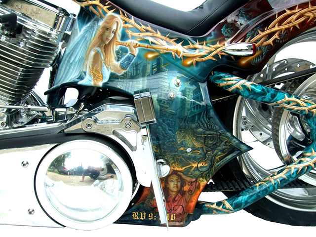 uncle-d-s-airbrushing-motorcycles-revelation-5