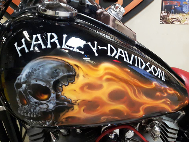 uncle-d-s-airbrushing-motorcycles-sculls-12