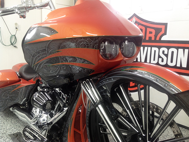uncle-d-s-airbrushing-motorcycles-sculls-57