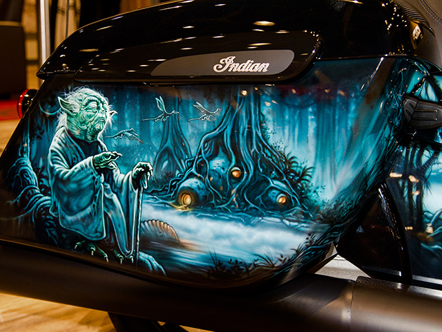 uncle-d-s-airbrushing-motorcycles-star-wars-10