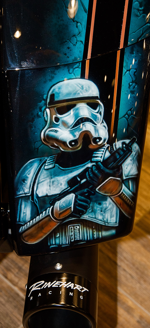 uncle-d-s-airbrushing-motorcycles-star-wars-15