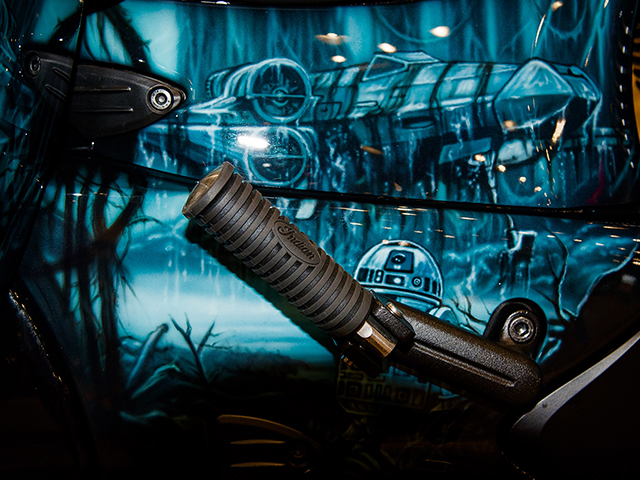 uncle-d-s-airbrushing-motorcycles-star-wars-17
