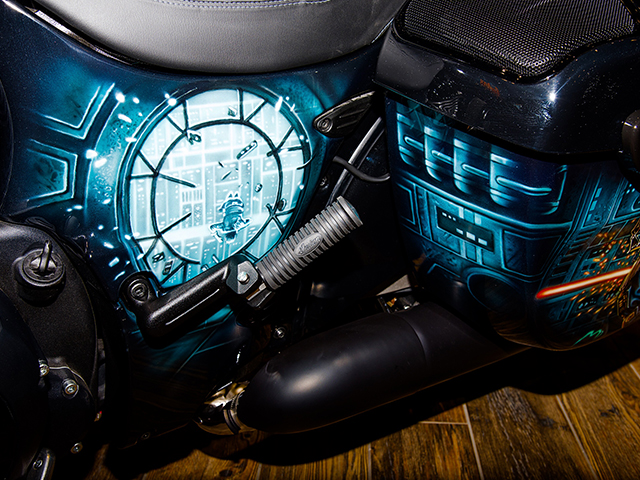 uncle-d-s-airbrushing-motorcycles-star-wars-20
