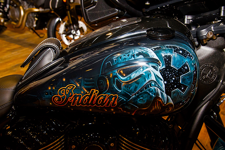 uncle-d-s-airbrushing-motorcycles-star-wars-24