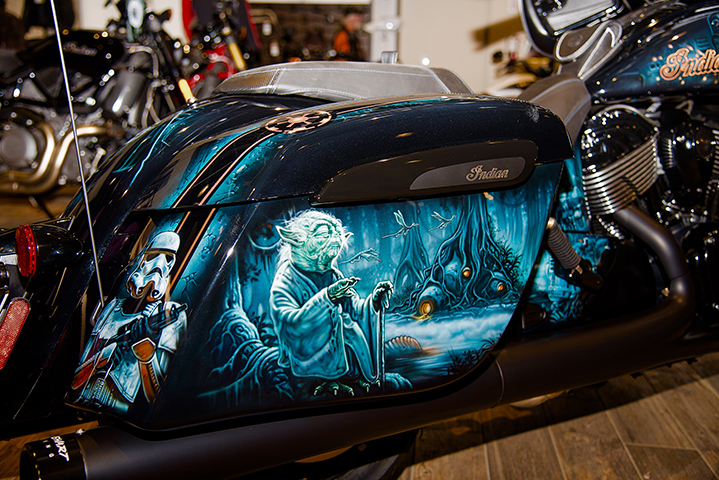 uncle-d-s-airbrushing-motorcycles-star-wars-27