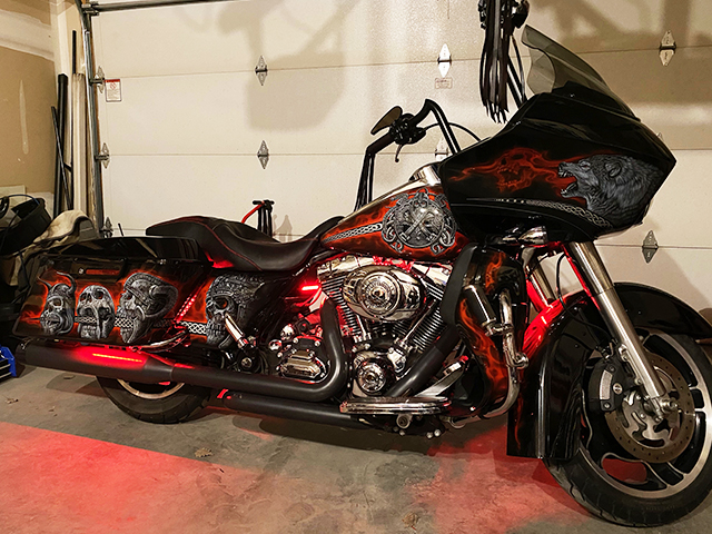uncle-d-s-airbrushing-motorcycles-vikings-a