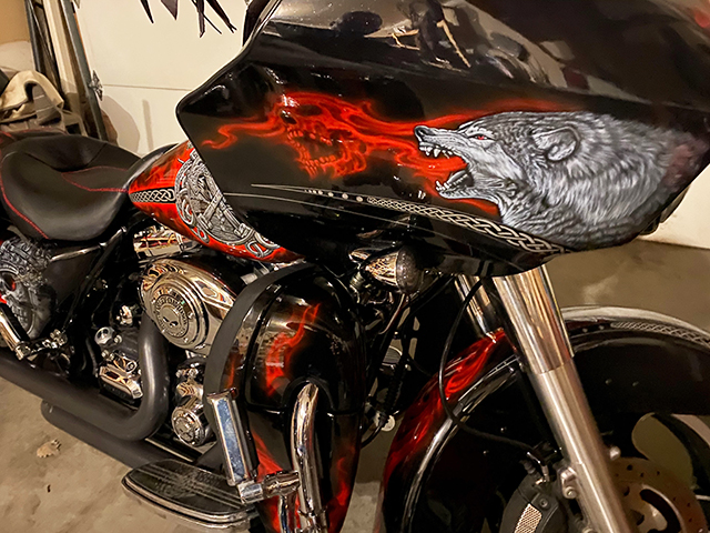uncle-d-s-airbrushing-motorcycles-vikings-d
