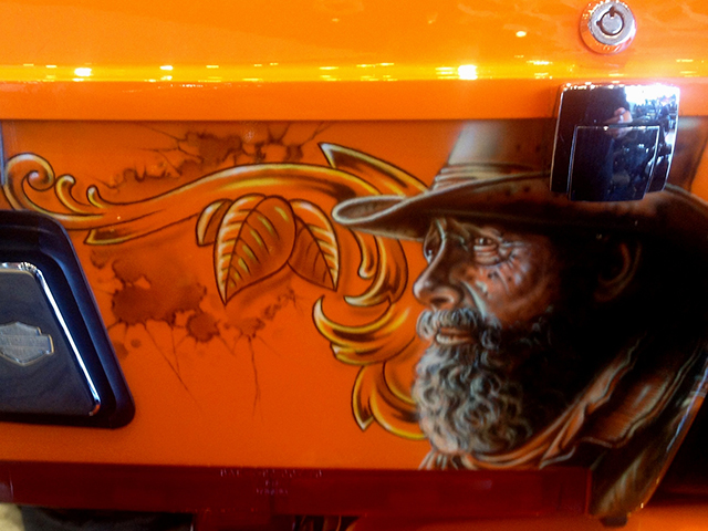 uncle-d-s-airbrushing-motorcycles-wild-west-17